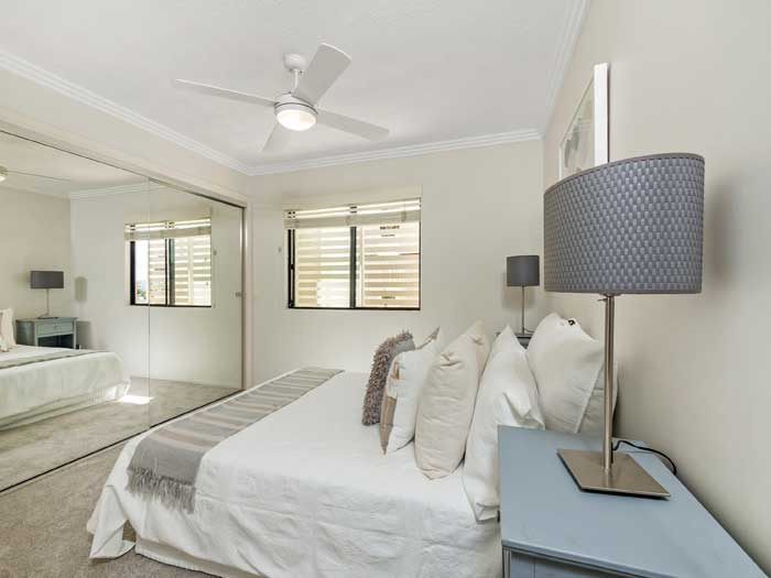 New Farm Apartment photography Brisbane Phil Savory - bedroom