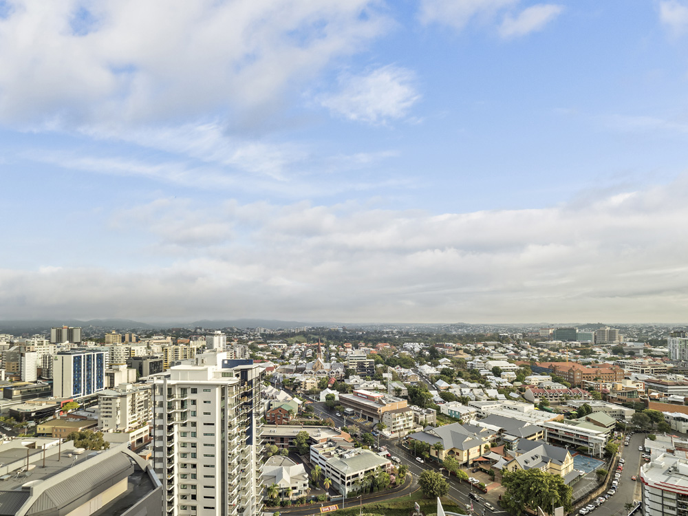 Real estate apartment photography Spire Residences, Apartment 2910 view, August 2018