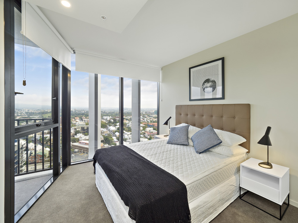Real estate apartment photography Spire Residences, Apartment 3210 bedroom, September 2018