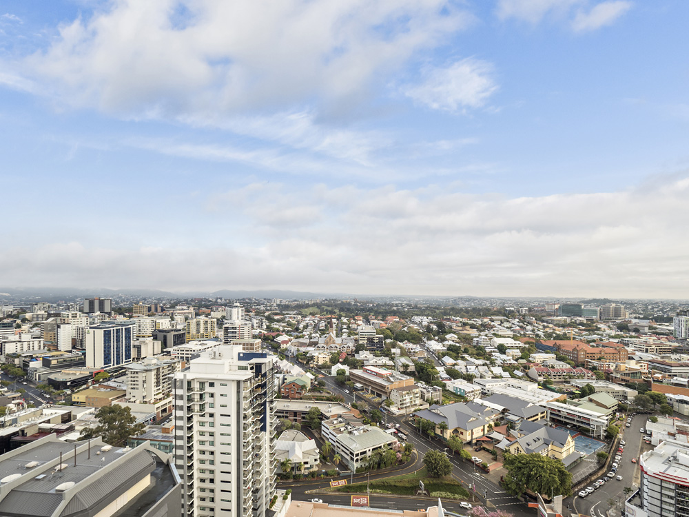 Real estate apartment photography Spire Residences, Apartment 3210 view, September 2018