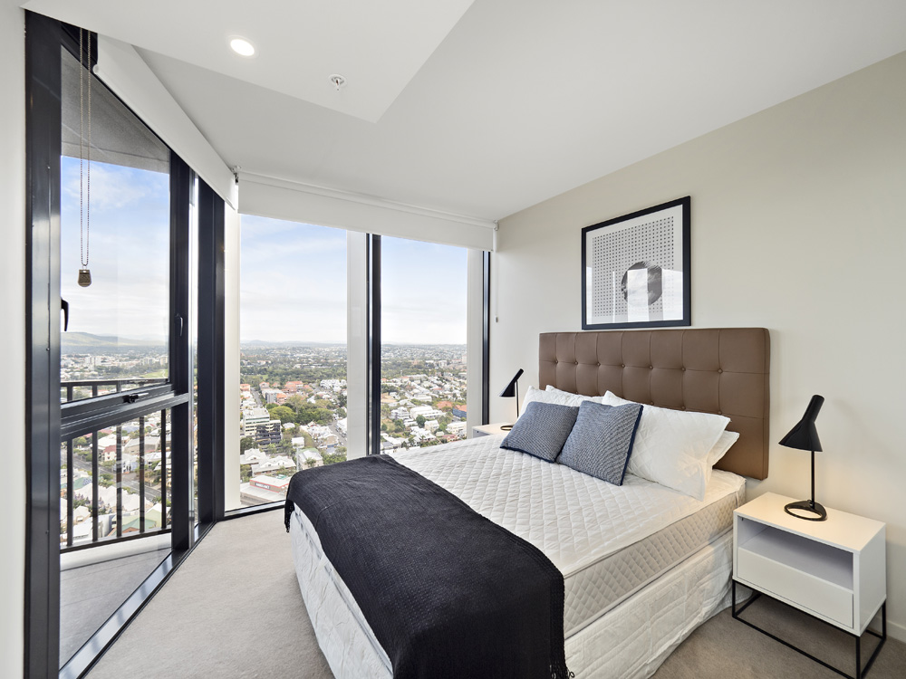 Real estate apartment photography Spire Residences, Apartment 3910 bedroom, September 2018