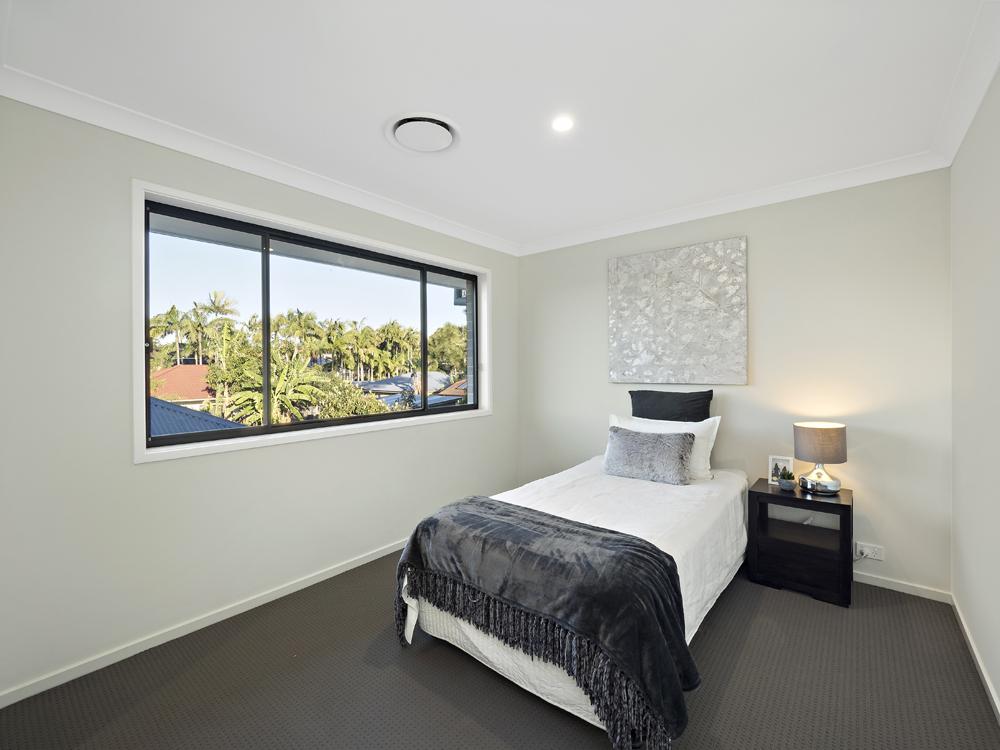 19 Didcot St bedroom