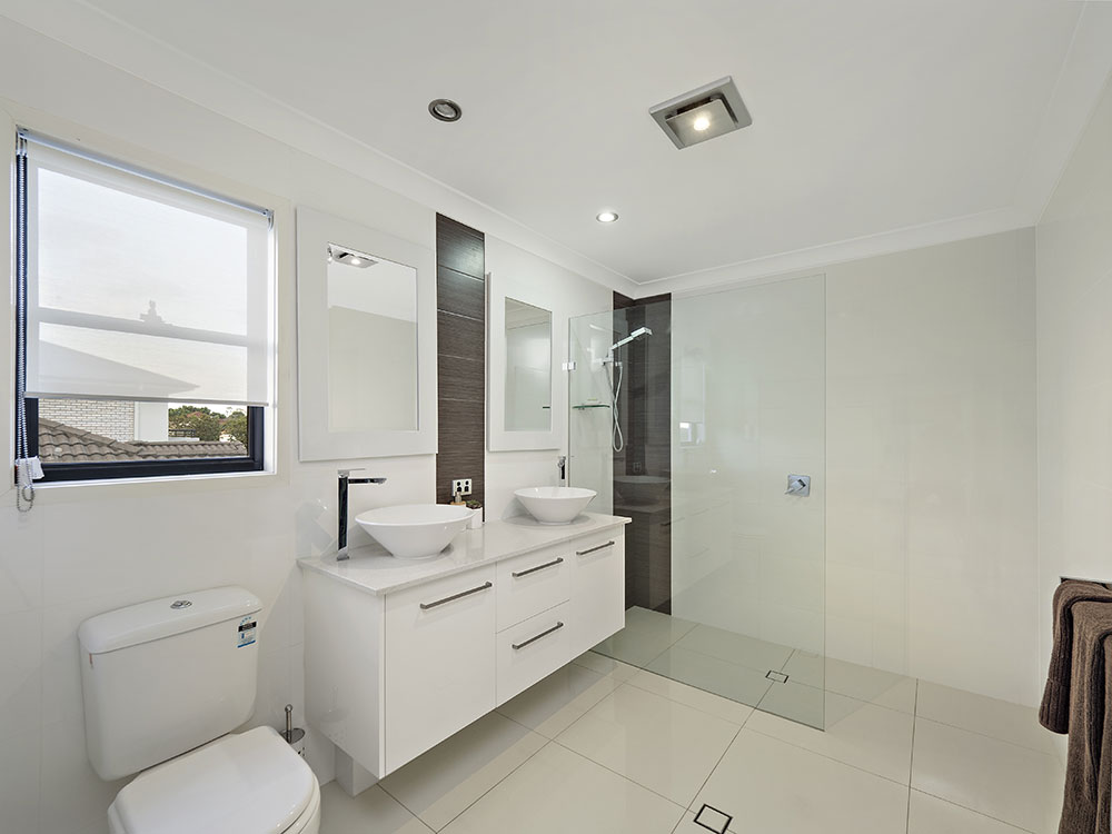 61 Shuttleworth real estate photography bathroom