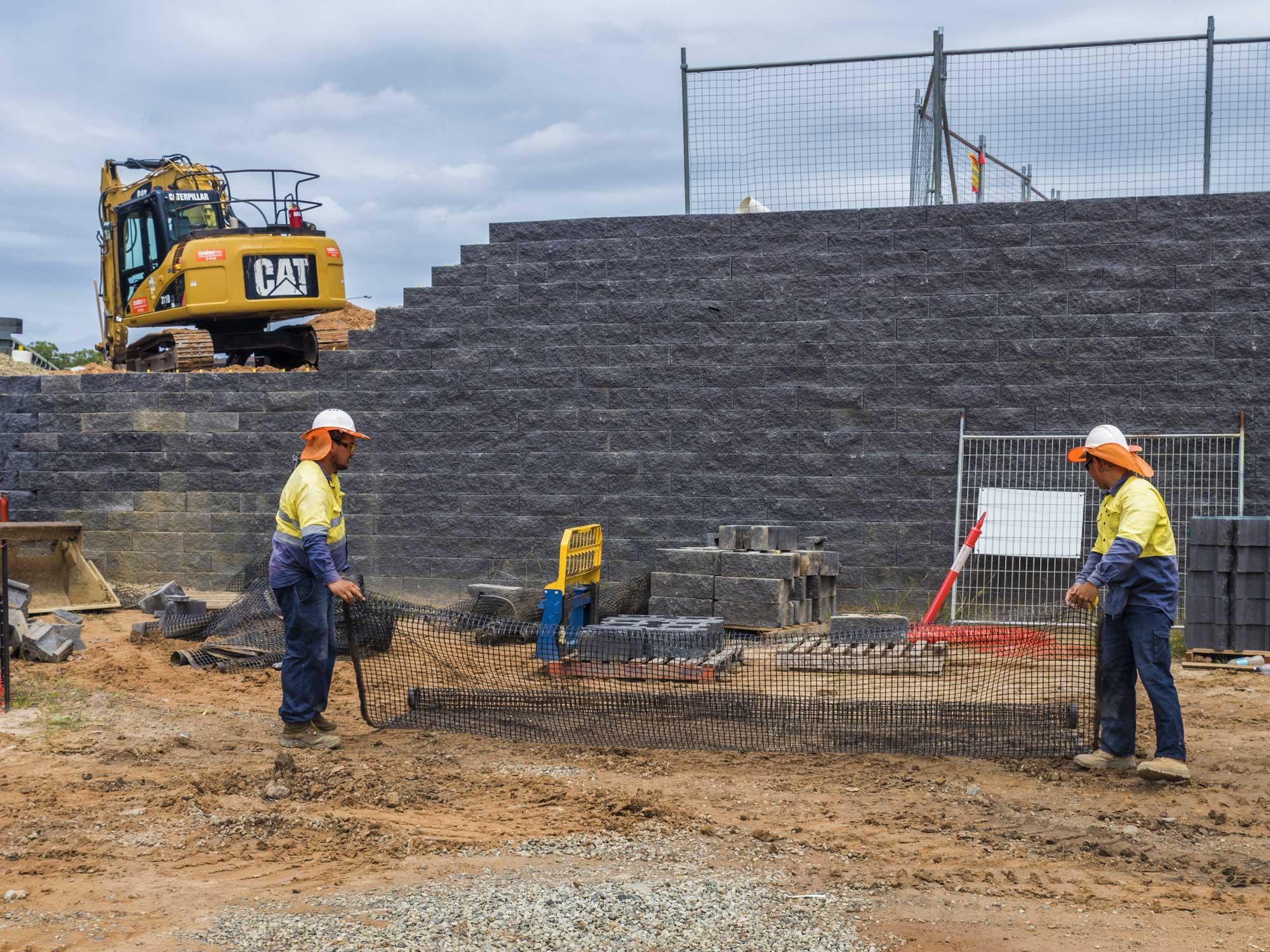 Construction photography - Concrib Pty Ltd retaining wall at Heathwood Logistics Park