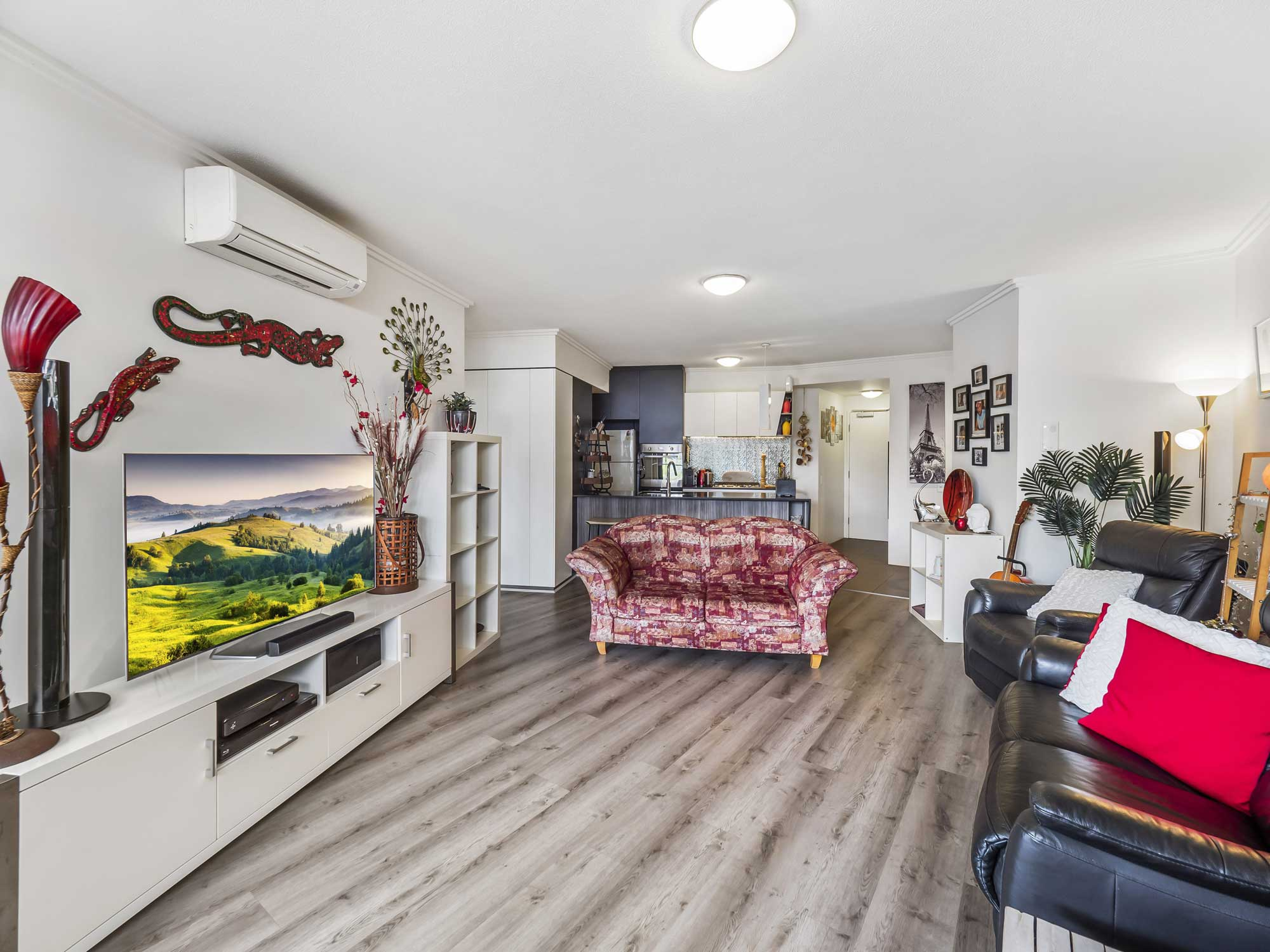 Real estate photography of Kangaroo Point apartment for sale - looking in