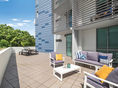 Photographing an apartment for sale at 92 Quay St South Brisbane