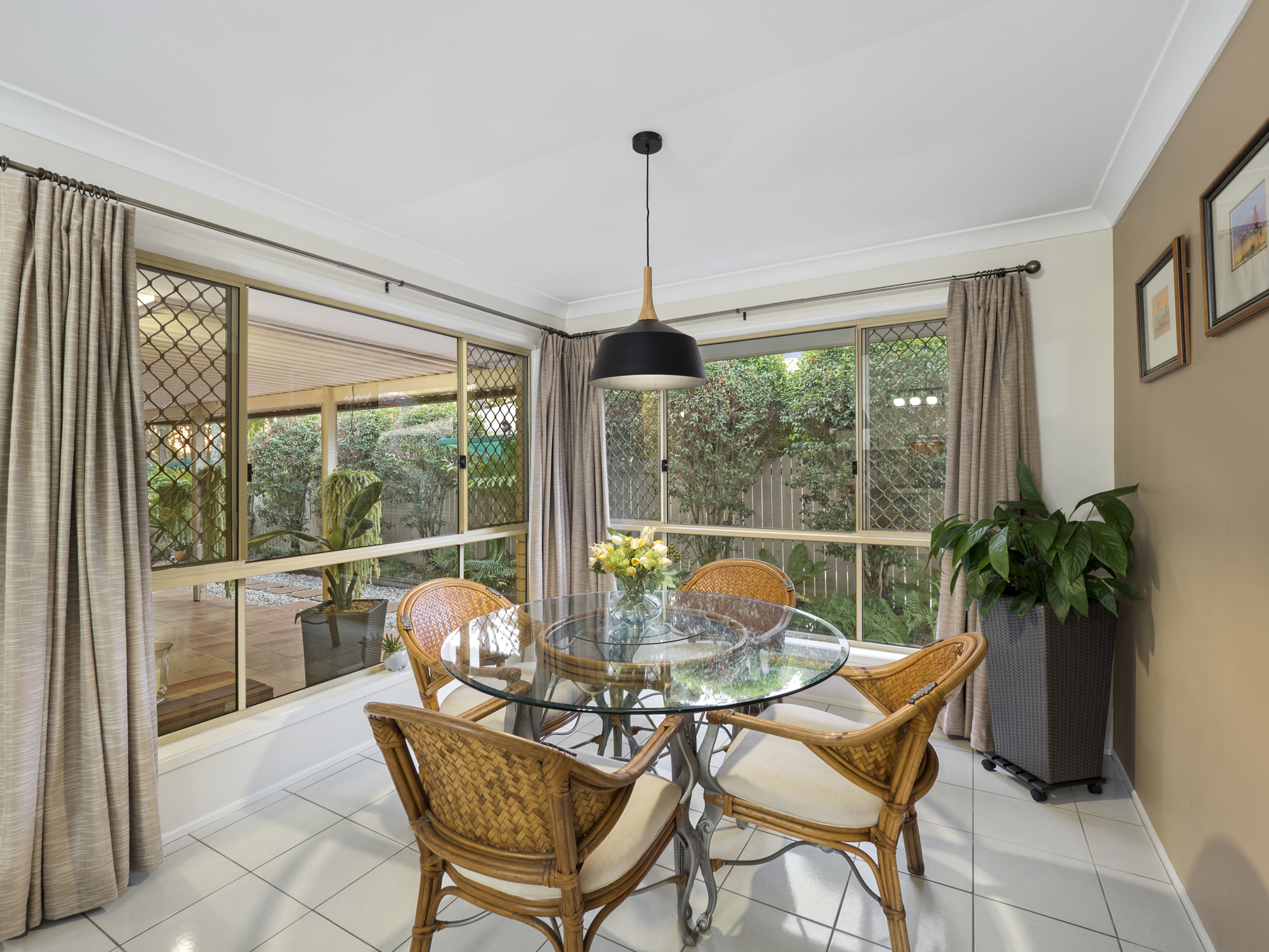 The casual dining area - photographing a home for sale at Kuraby