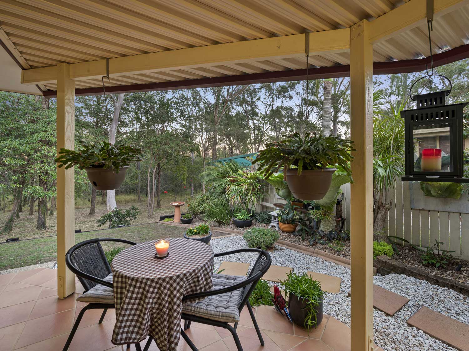 Outdoor living areas - photographing a home for sale at Kuraby