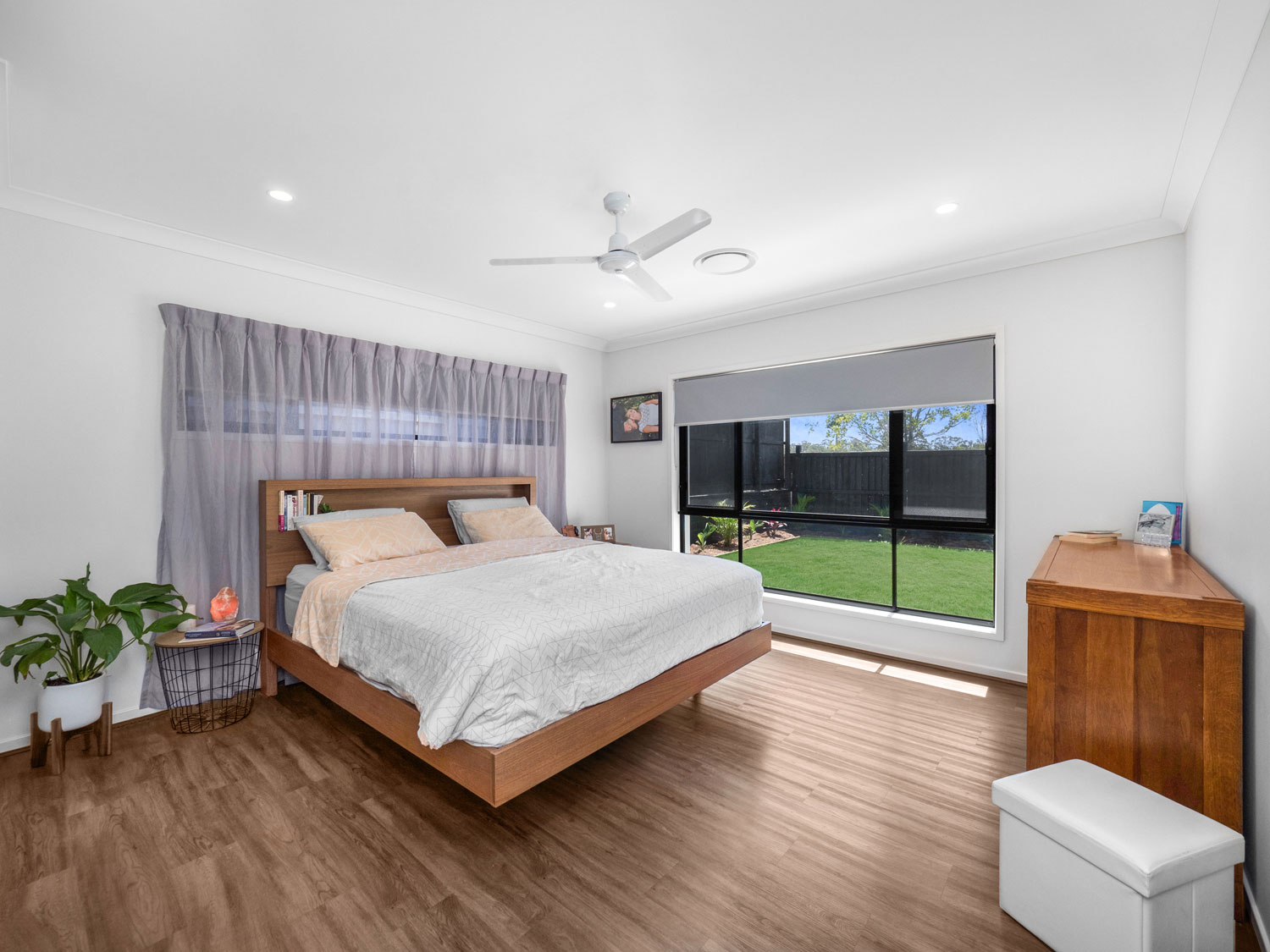 The master bedroom - Real estate photography at Waterford