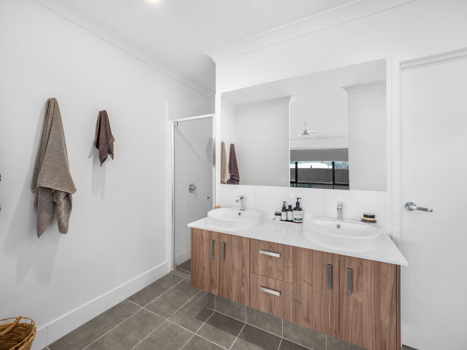 The ensuite - Real estate photography at Waterford