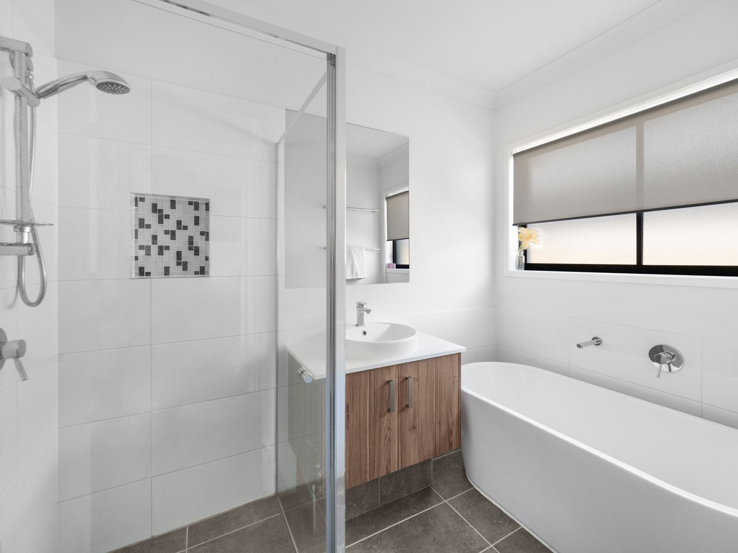 The main bathroom - Real estate photography at Waterford